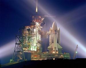 Raketoplán Columbia pripravený na prvý štart (STS-1)
