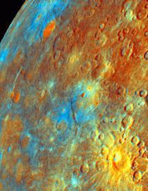 Merkúr v nepravých farbách (nie je možné pozorovať zo Zeme)