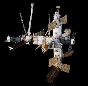 Kozmická stanica Mir, známa svojou vysokou poruchovosťou, ktorá bola pre Veneru veľkou inšpiráciou.