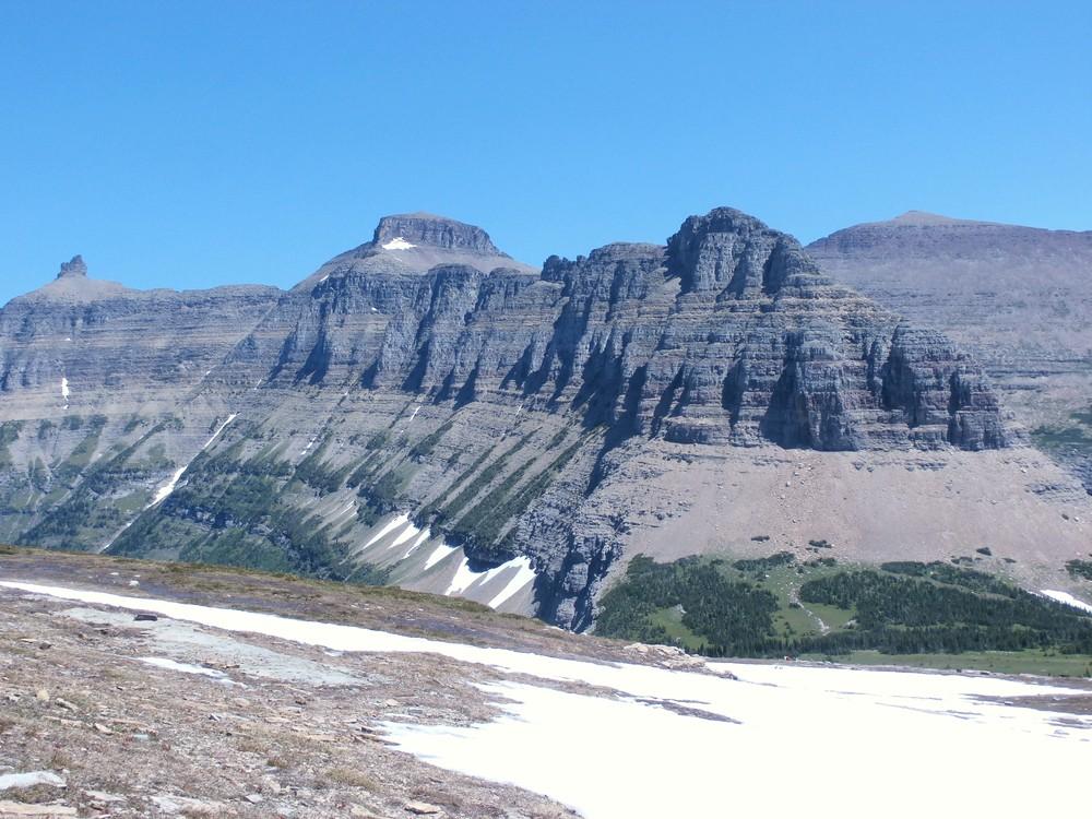 Ľadovcami obrúsené hory v Glacier National Park, Montana
