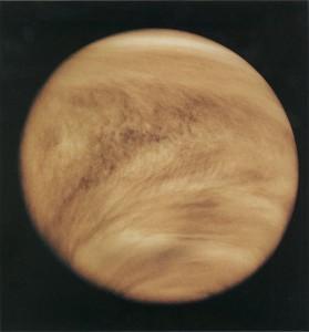 Jemnejšia štruktúra oblačnosti na Venuši sa dá pozorovať len na ultrafialových záberoch, akým je napríklad tento