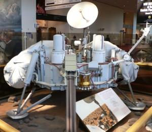 Model pristávacej časti Vikingu 1. Autor: Mark Pelligrino