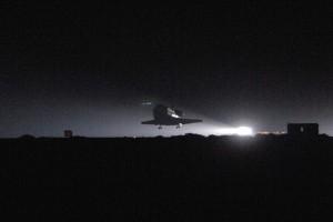 Nočné pristávanie raketoplánu na Edwards AFB