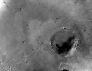 Kráter Endeavour na zábere zo sondy Mars Reconnaissance Orbiter z marca 2009