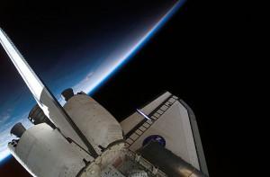 Endeavour po pripojení k ISS
