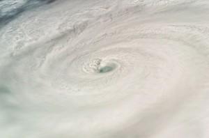 Hurikán Dean vyfotografovaný z ISS pri EVA-4