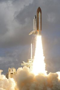 Štart raketoplánu Discovery STS-120