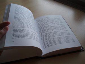 Kniha cierna diera.php