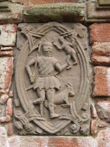 Zobrazenie boha Saturna na reliéfe na stredovekom hrade Edzell Castle v Škótsku