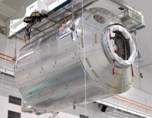 Modul Columbus po doručení na Kennedyho vesmírne stredisko