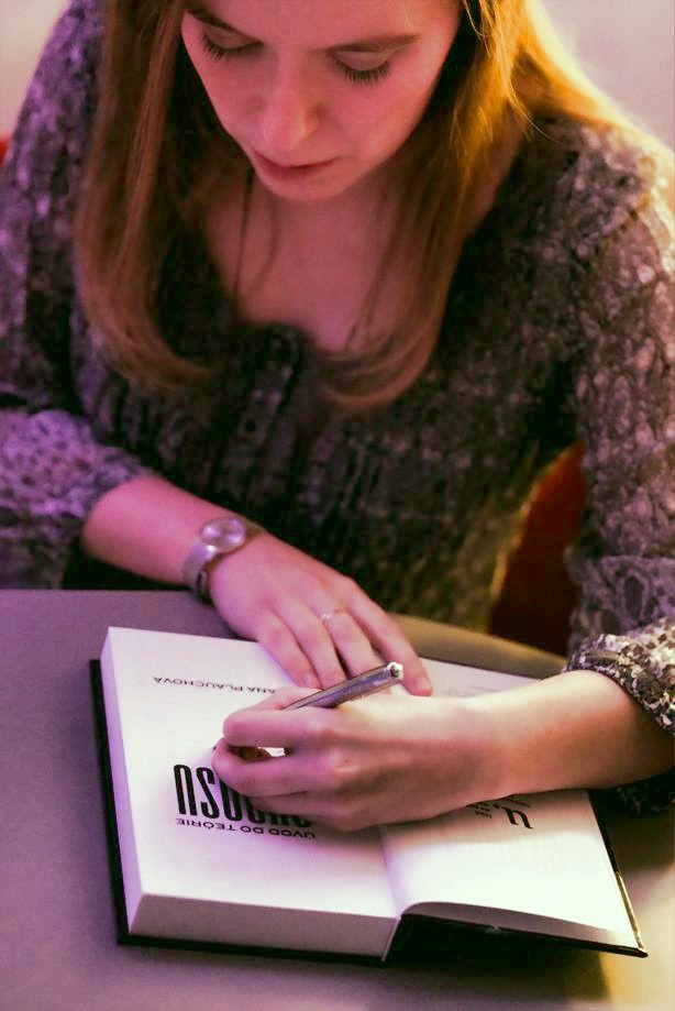 Nejaké tie moje ľavácke podpisy... Foto: Rastislav Weber