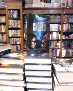 Chaos tam, kde patrí - na pultoch kníhkupectiev, oddelenie sci-fi v Pantha Rei